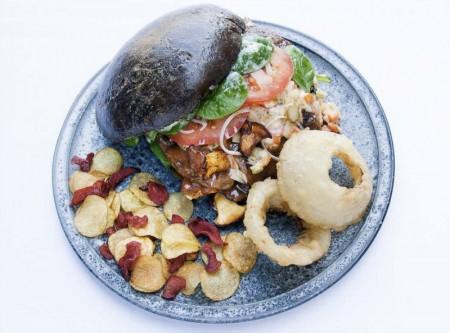 Humlen af Gastronomi Den tidskrævende burger