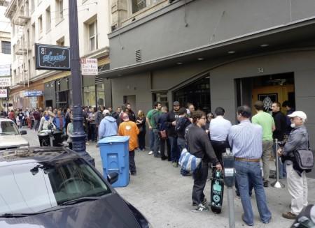 Mikkeller Bar SF åbning kø